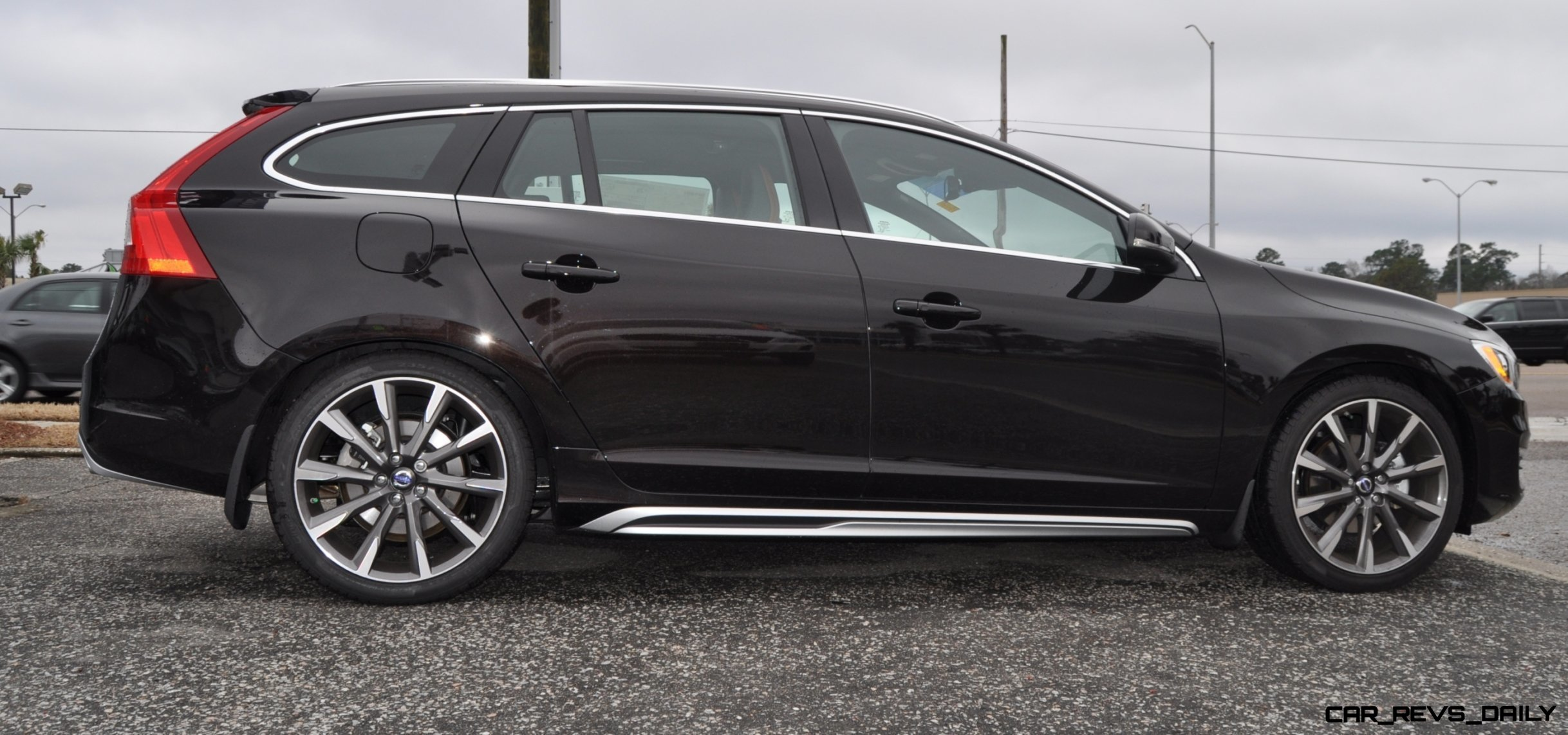 2015 Volvo V60 T5 Sport Pack -- Video Walkaround and 30 All-New Photos