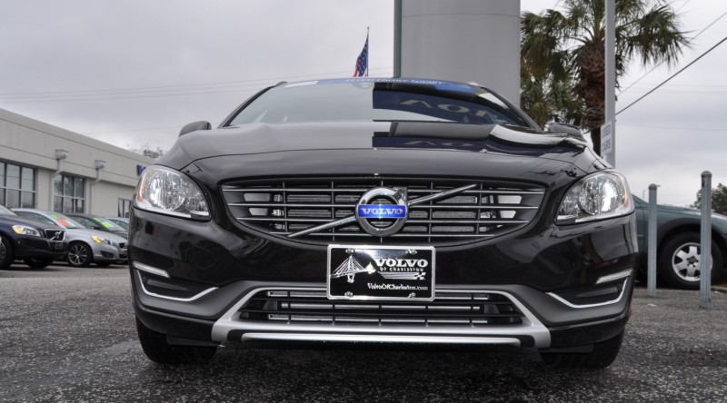 2015 Volvo V60 T5 Sport Pack -- Video Walkaround and 30 All-New Photos 4