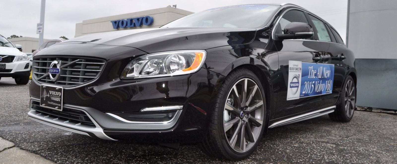 2015 Volvo V60 T5 Sport Pack -- Video Walkaround and 30 All-New Photos 6