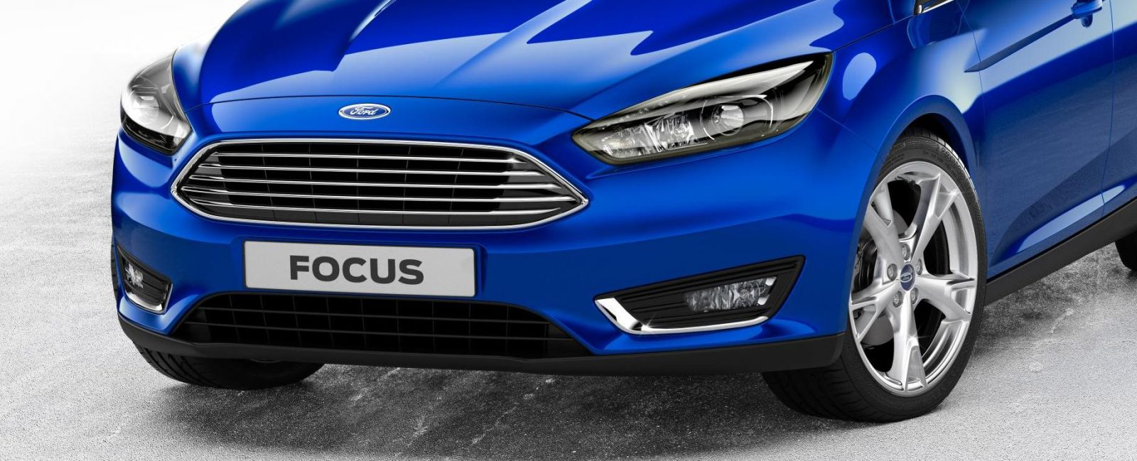 2015_Ford_Focus_5Door_02