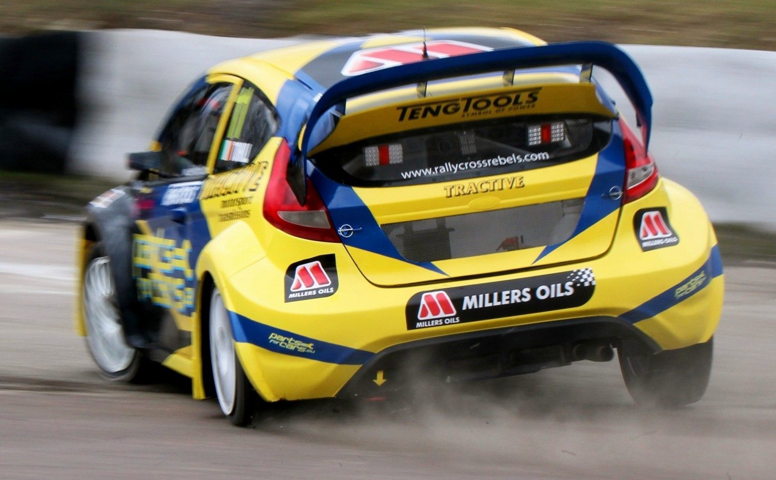 All-New FIA RallyCross Series Looks FUN! Dart, Sonic, Beetle, Fiesta, Fabia, Pug 208GTI and More On-Board 11