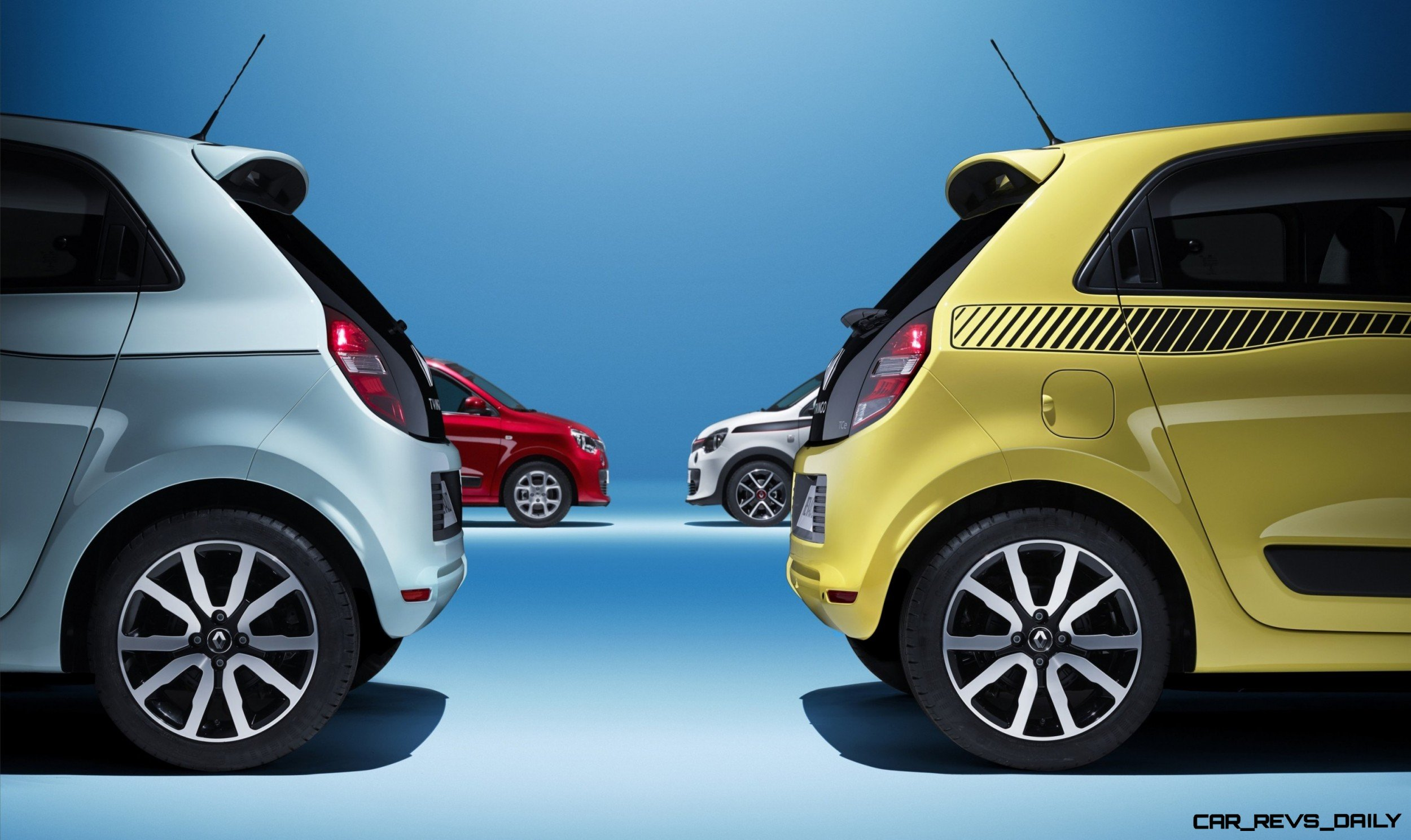 All New Renault Twingo Packs Rear Engine Four Doors And Cute New Style