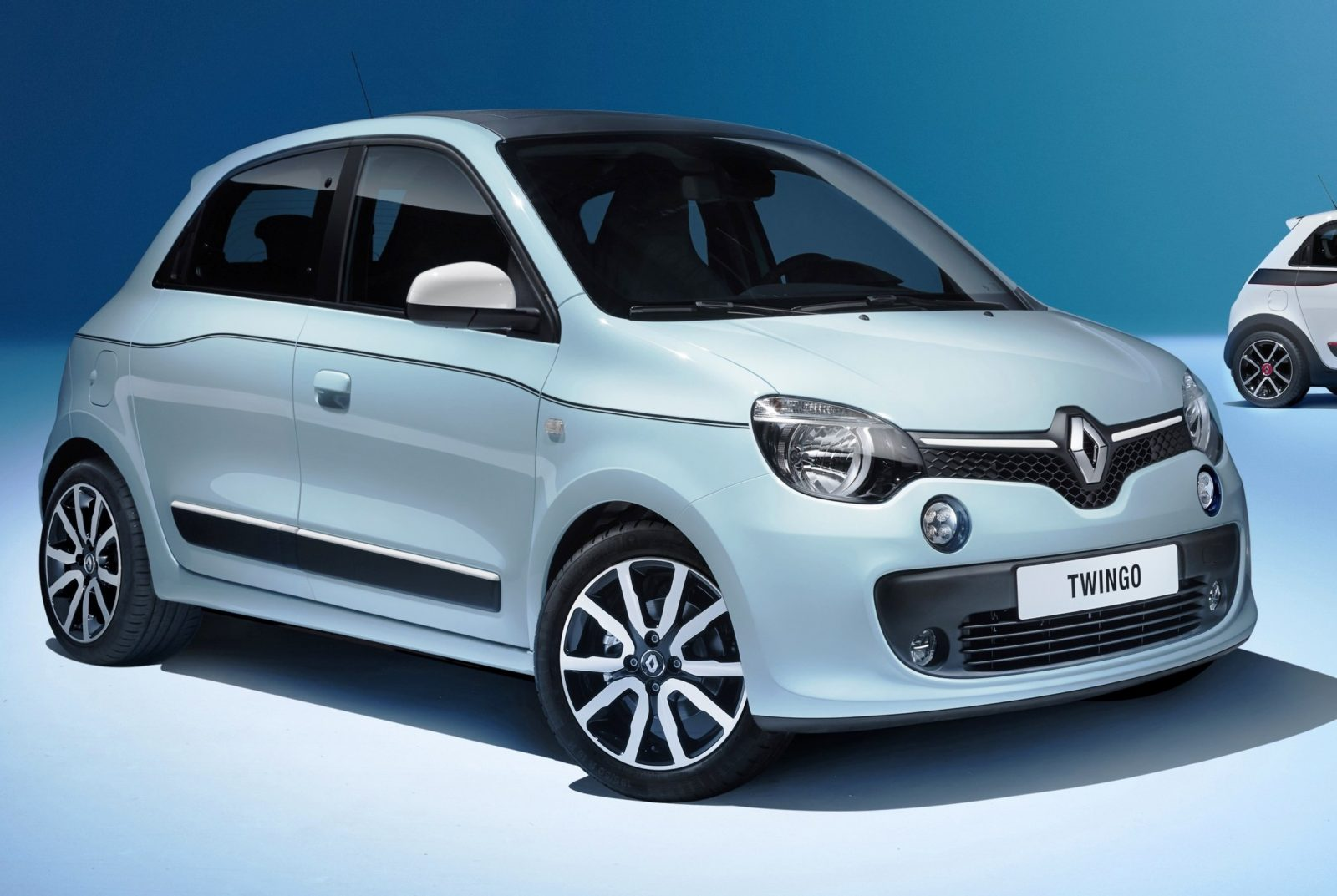 All-New Renault Twingo Packs Rear Engine, Four Doors and Cute New Style 5