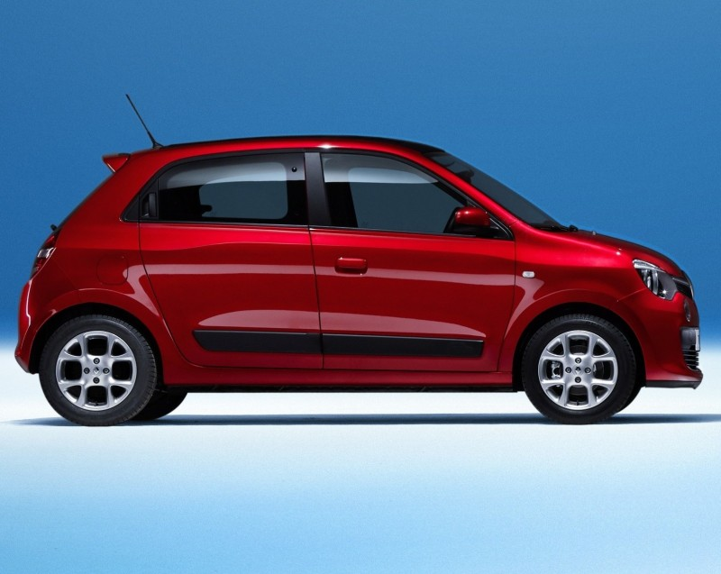 All-New Renault Twingo Packs Rear Engine, Four Doors and Cute New Style 8