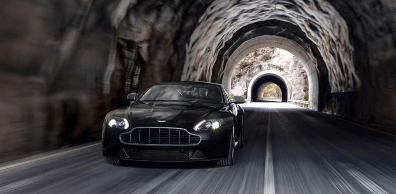 Car-Revs-Daily.com -- 2014 Aston-Martin N430 Vantage 108