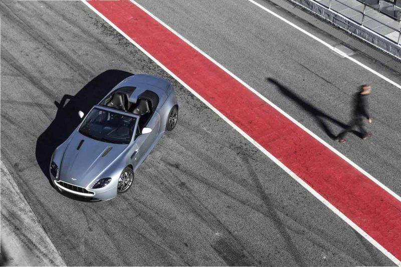Car-Revs-Daily.com -- 2014 Aston-Martin N430 Vantage 109