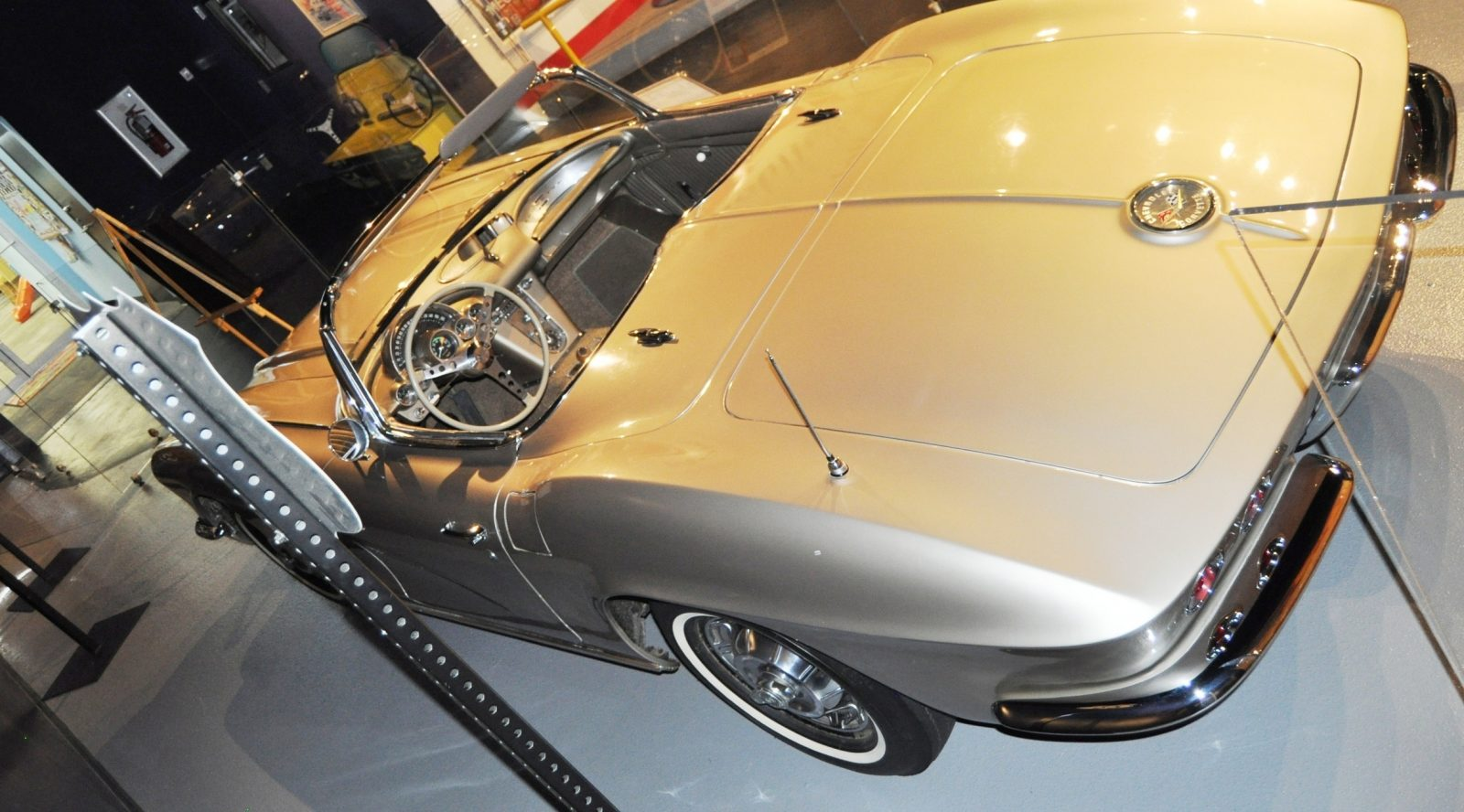 Corvette Museum Photo Tour -- The C1, C2 and C3 Generations in 83 High-Res Photos 47