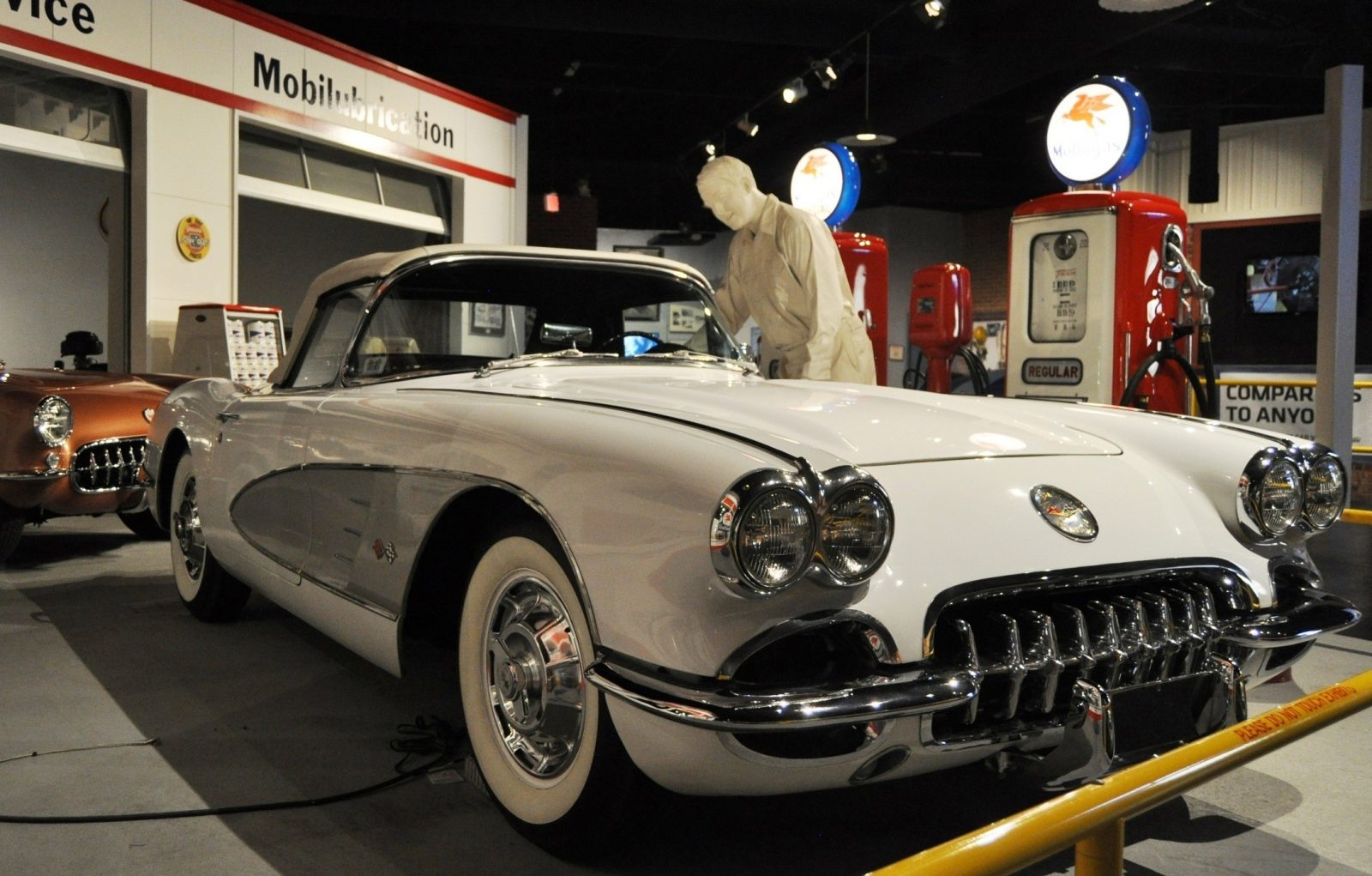 Corvette Museum Photo Tour -- The C1, C2 and C3 Generations in 83 High-Res Photos 55