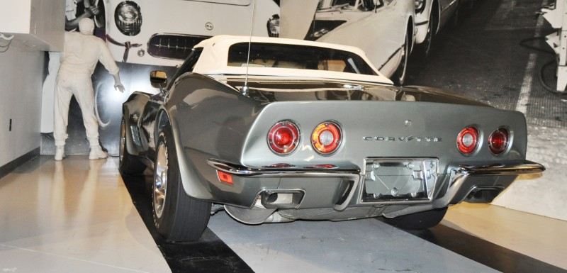 Corvette Museum Photo Tour -- The C1, C2 and C3 Generations in 83 High-Res Photos 83