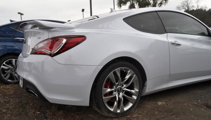 Hyundai Genesis Coupe 3.8 Track Pack  2