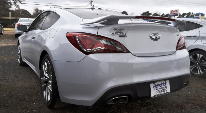 Hyundai Genesis Coupe 3.8 Track Pack  9