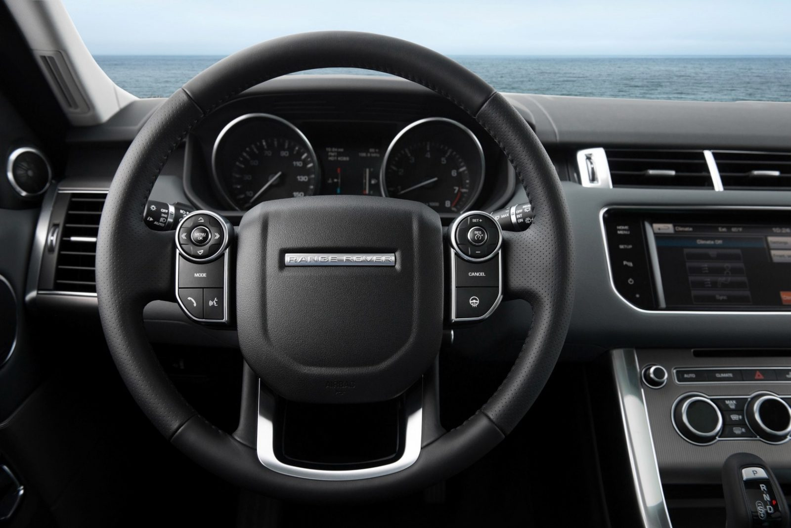 New Range Rover Sport HSE in 30 Fake-Life Photos 18