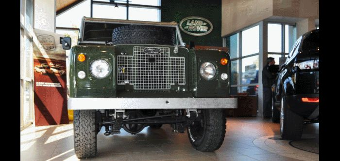 Video Walk-around and Photos - Near-Mint 1969 Land Rover Series II Defender GIF
