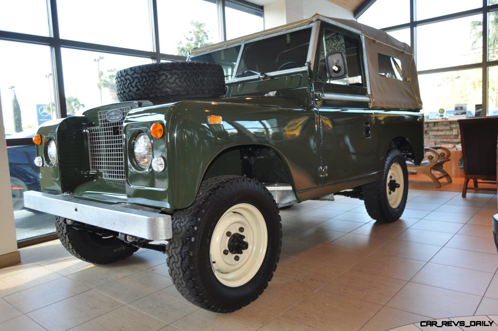 video walk around and photos near mint 1969 land rover. Black Bedroom Furniture Sets. Home Design Ideas