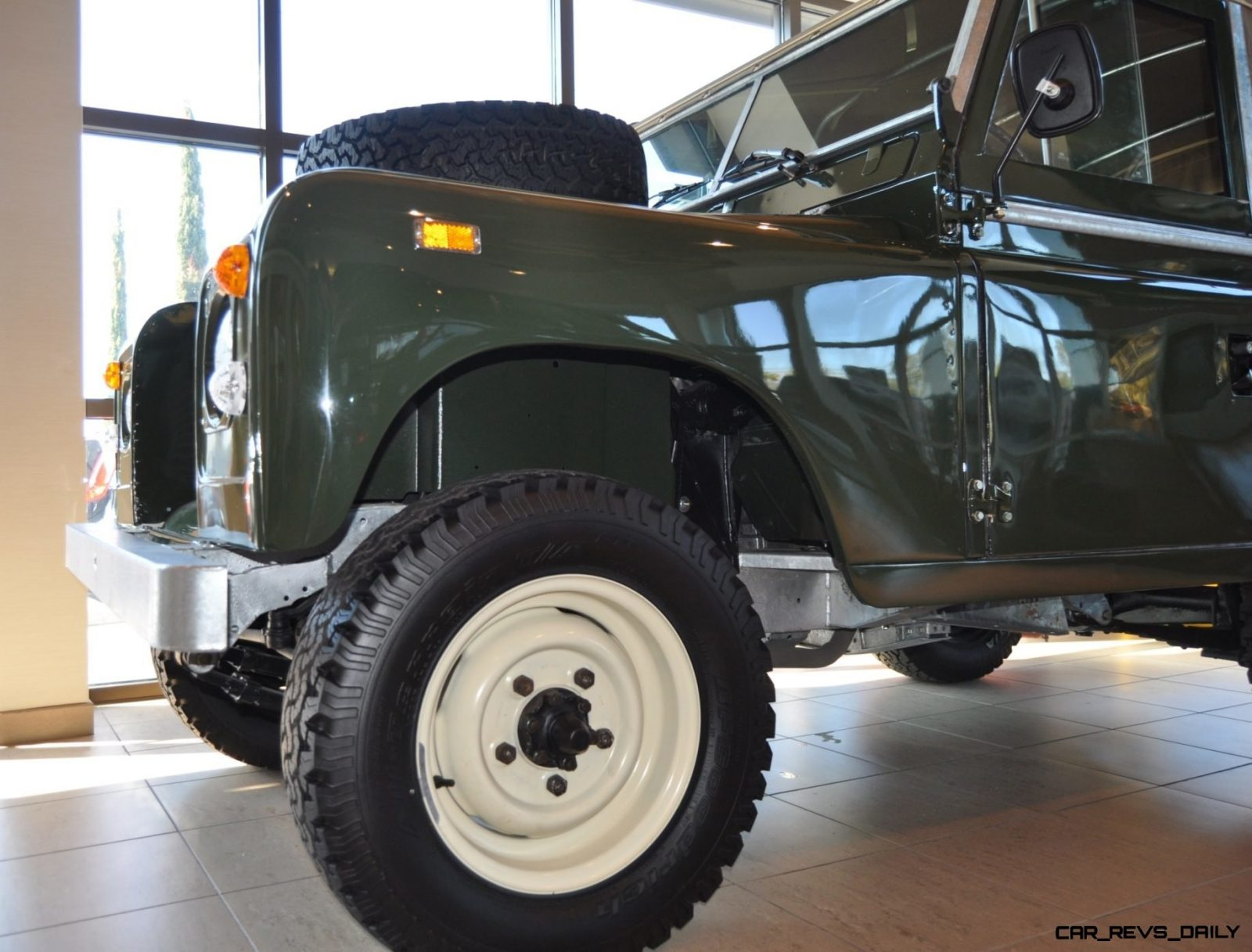 Video Walk-around and Photos - Near-Mint 1969 Land Rover Series II Defender at Baker LR in CHarleston 16