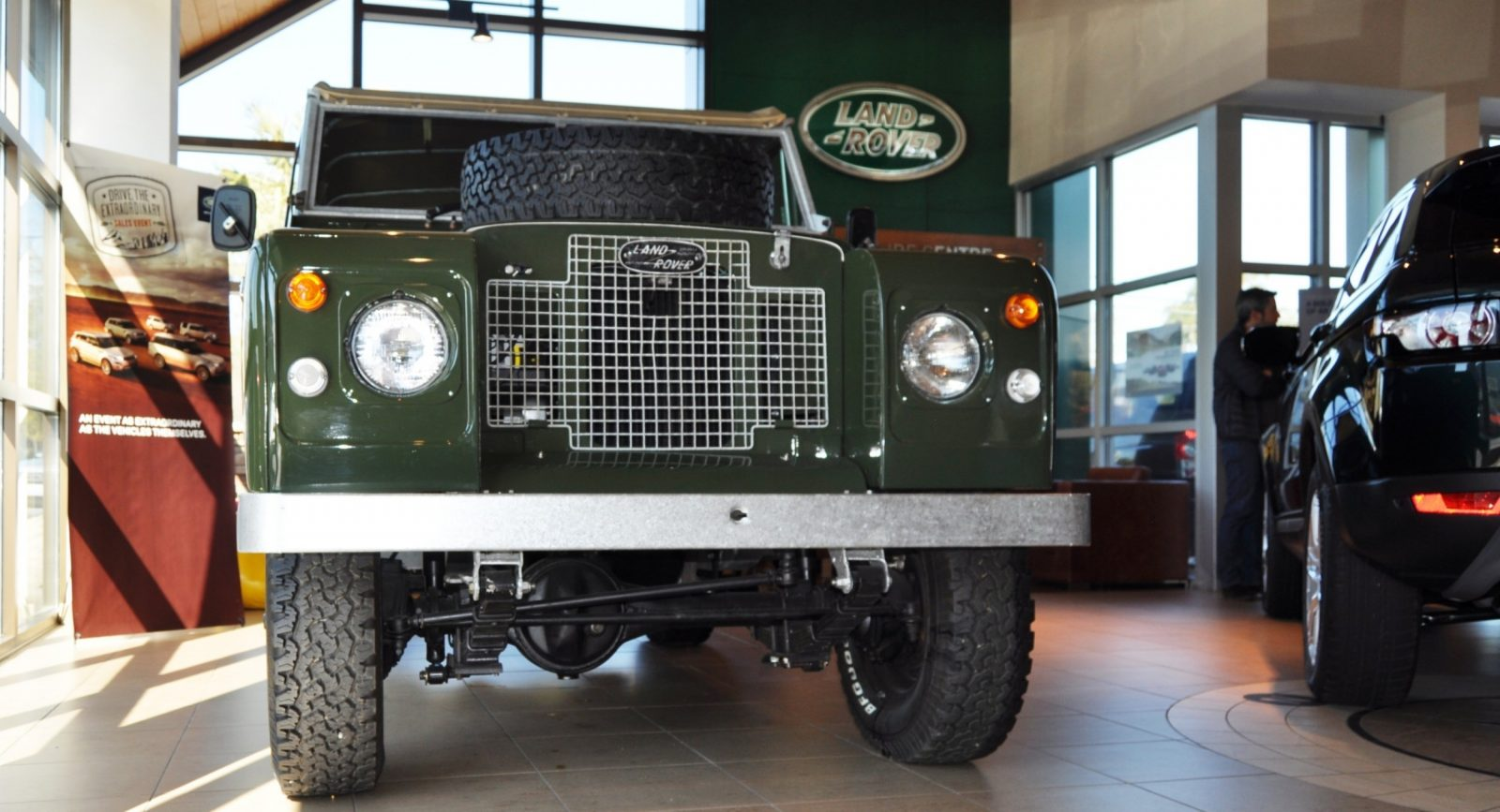 Video Walk-around and Photos - Near-Mint 1969 Land Rover Series II Defender at Baker LR in CHarleston 7
