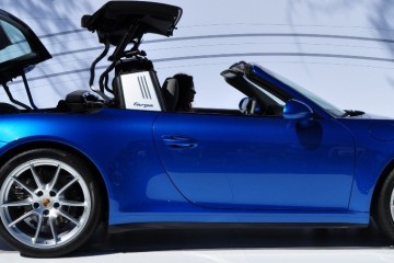 2014 Porsche 911 Targa 4 -- Animated Roof Sequence + 30 High-Res Photos