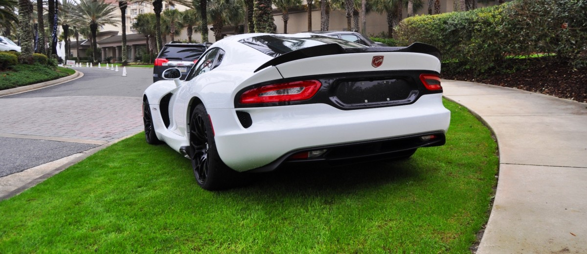 2014 SRT Viper TA in 25 All-New, Real-Life Photos with Carbon Aero Styling Options 10