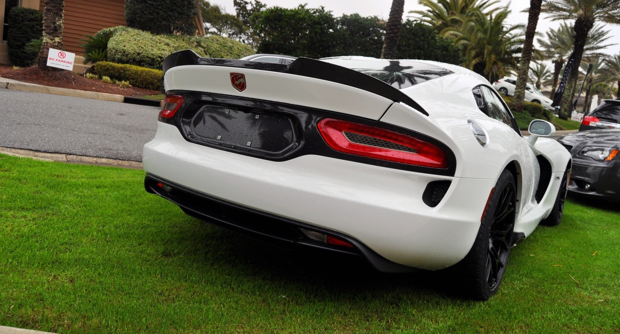 2014 SRT Viper TA in 25 All-New, Real-Life Photos with Carbon Aero Styling Options 13