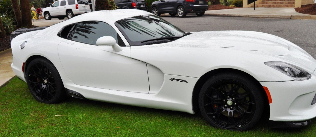 2014 SRT Viper TA in 25 All-New, Real-Life Photos with Carbon Aero Styling Options 19