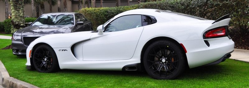 2014 SRT Viper TA in 25 All-New, Real-Life Photos with Carbon Aero Styling Options 8