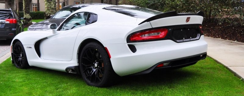 2014 SRT Viper TA in 25 All-New, Real-Life Photos with Carbon Aero Styling Options 9