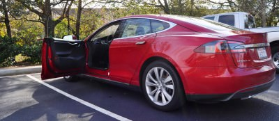 2014 TESLA Model S 85 -- Road Test Video Review -- 1500-words -- 250 Images -- Smooth Power, Great Dynamics, Unequivocal EV Brilliance 28