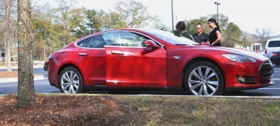 2014 TESLA Model S 85 -- Road Test Video Review -- 1500-words -- 250 Images -- Smooth Power, Great Dynamics, Unequivocal EV Brilliance 4