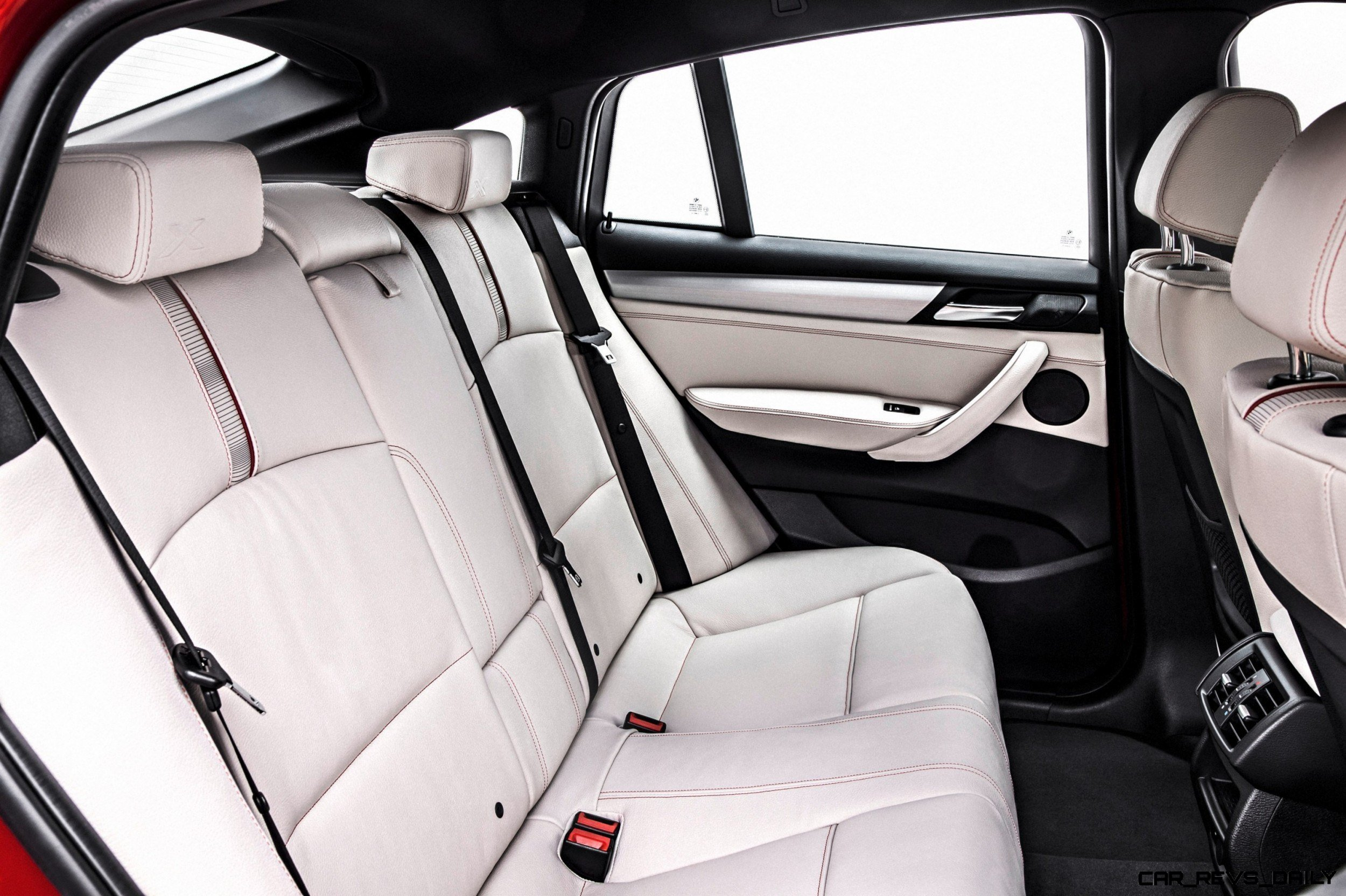 2015 BMW X4 Interior 1