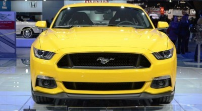 2015-Ford-Mustang-GT-at-2014-NAIAS-front