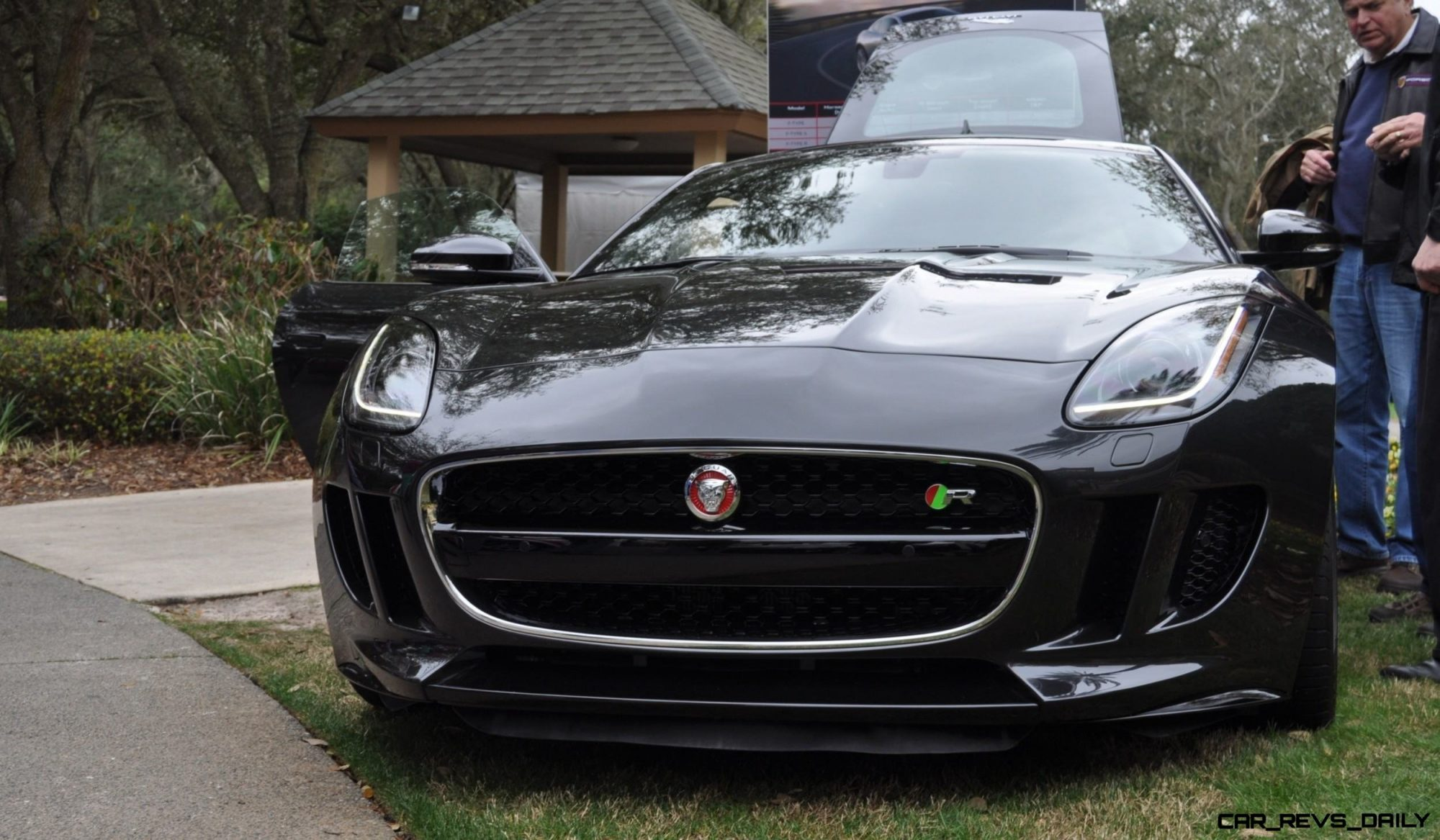 2015 JAGUAR F-TYPE R Coupe -- Lifts Its Bonnet to Show 550HP 5