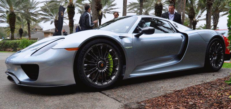 2015 Porsche 918 Spyder GIF 2
