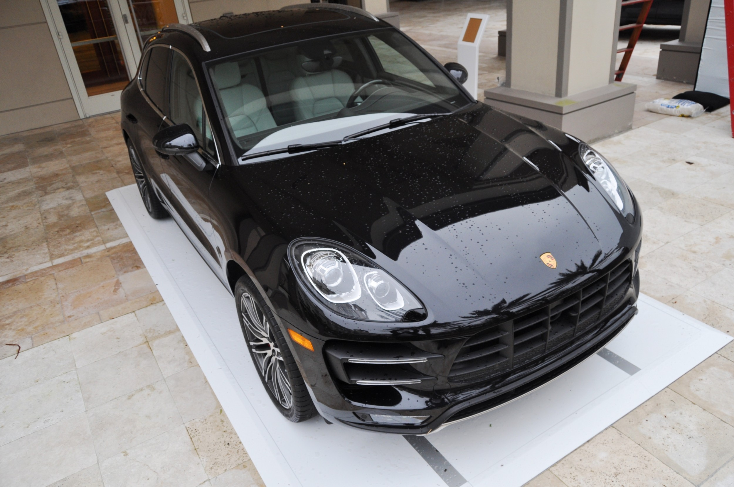 2015 Porsche Macan Turbo -- Looking Amazing, Athletic and Nimble -- 50+ Real-Life Photos Inside and Out 16