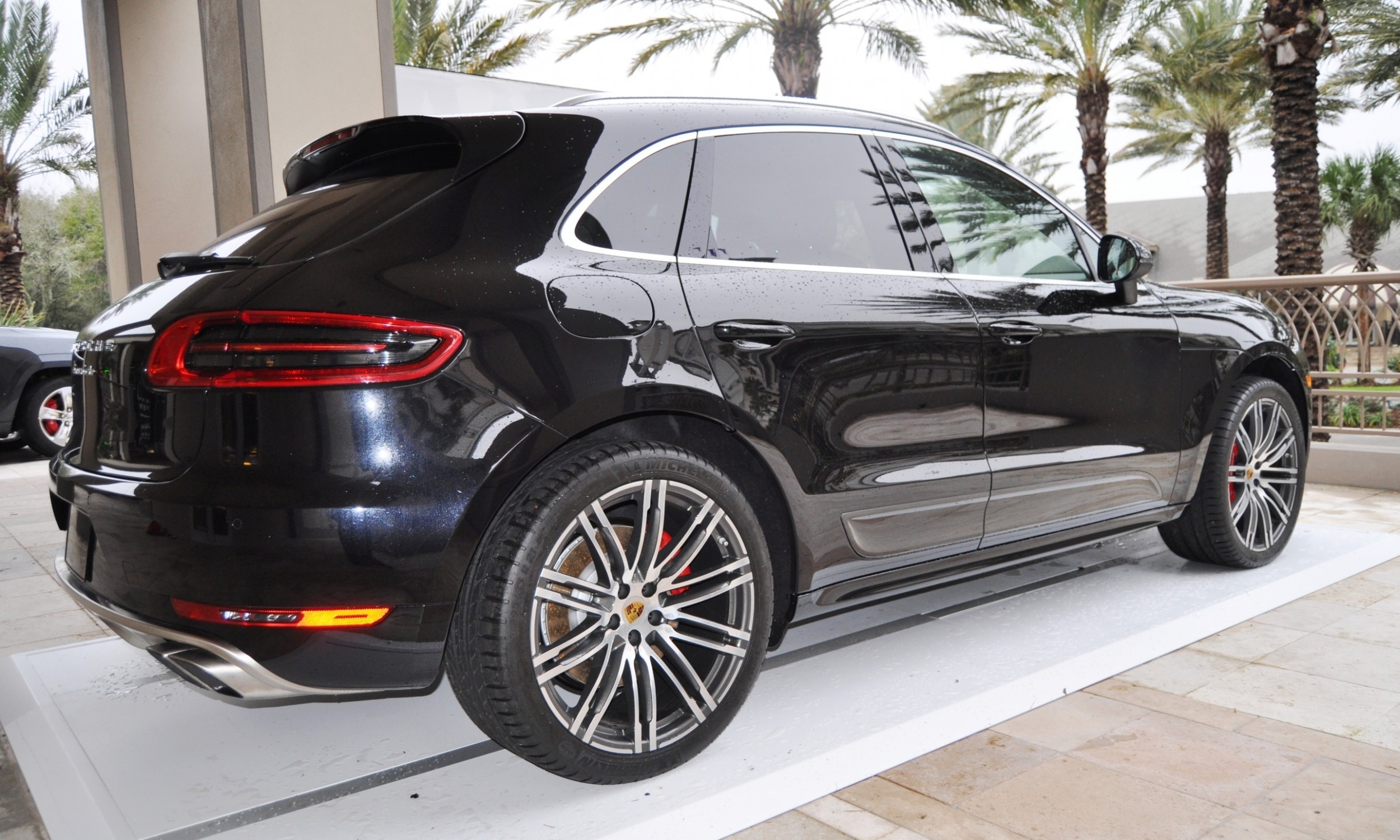 2015 Porsche Macan Turbo -- Looking Amazing, Athletic and Nimble -- 50+ Real-Life Photos Inside and Out 31