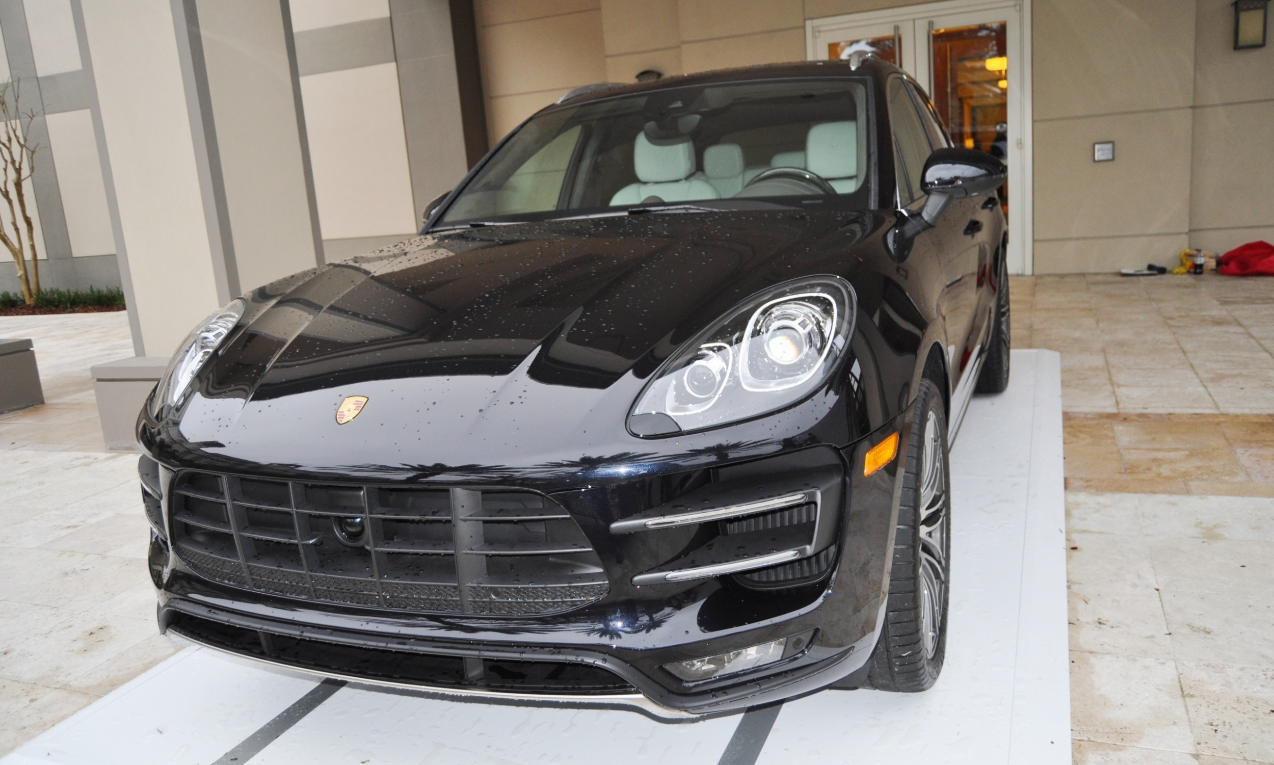 2015 Porsche Macan Turbo -- Looking Amazing, Athletic and Nimble -- 50+ Real-Life Photos Inside and Out 34