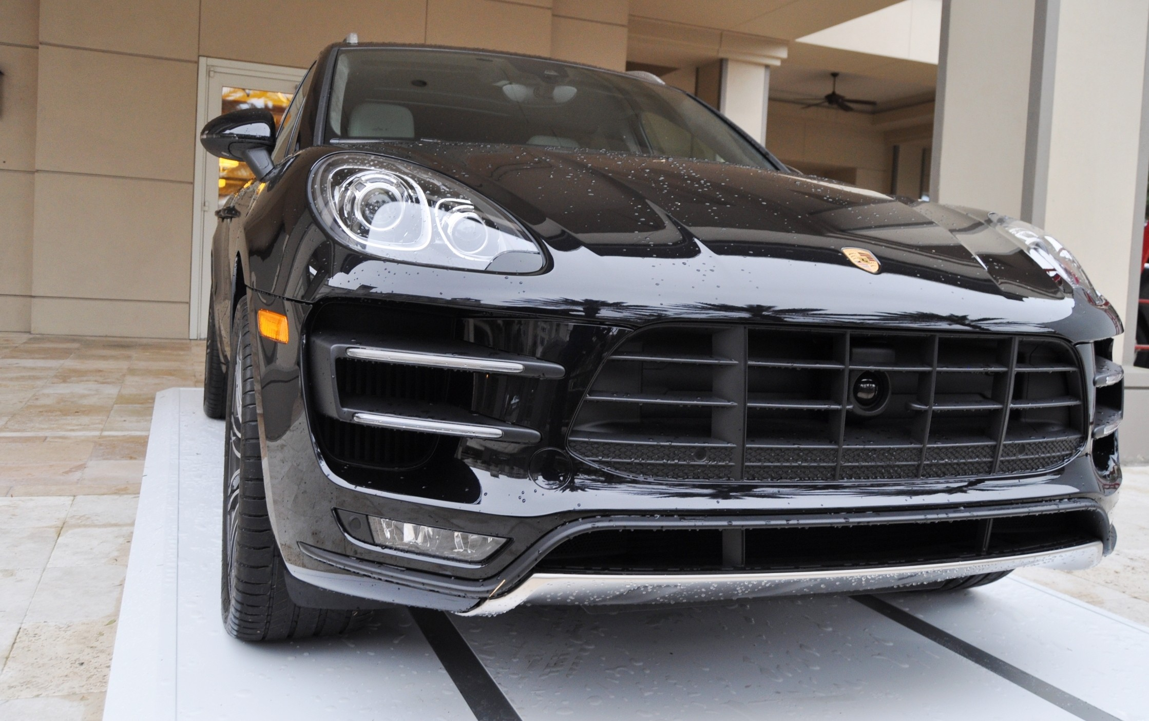 2015 Porsche Macan Turbo -- Looking Amazing, Athletic and Nimble -- 50+ Real-Life Photos Inside and Out 4
