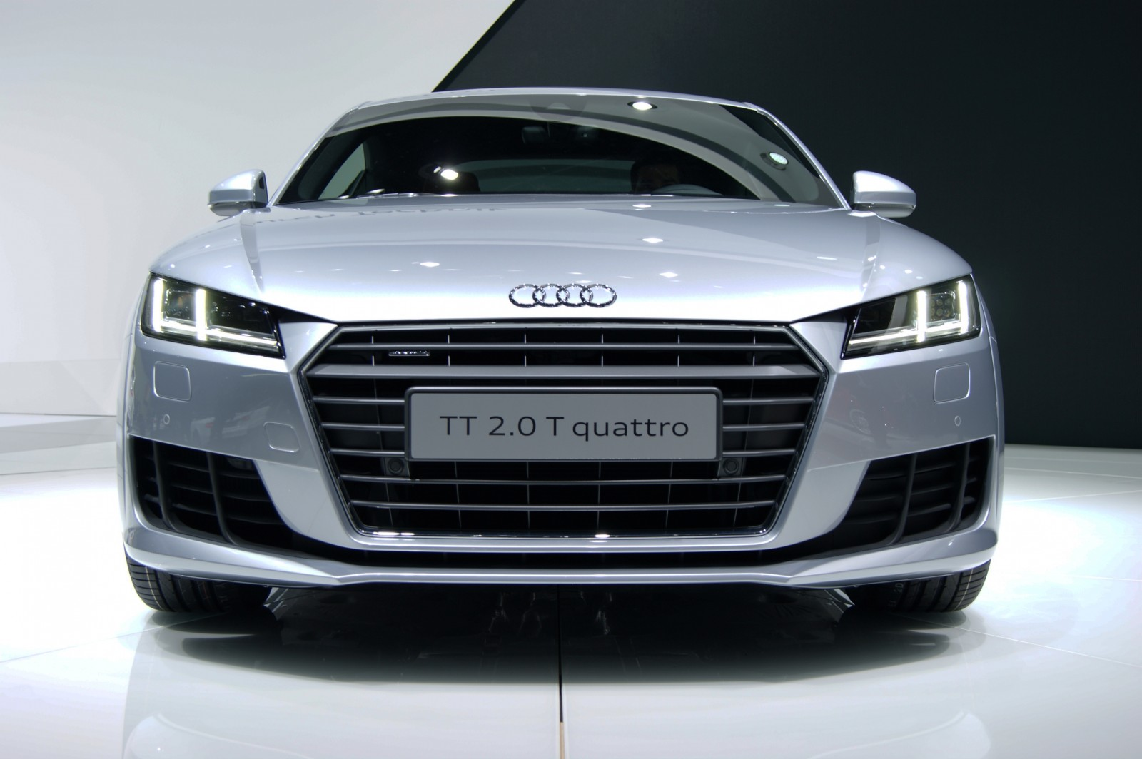 Audi tt is fighting fit for 2015 ultra simple high for Audi tt interieur