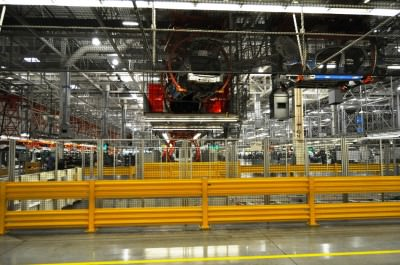 BMW X3 and X4 Factory Tour in 111 High-Res Photos -- Cool, Calm, and Quiet = Opposite of Most Auto Plants 31