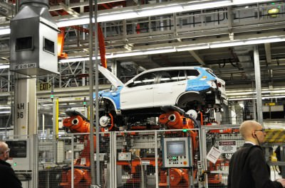 BMW X3 and X4 Factory Tour in 111 High-Res Photos -- Cool, Calm, and Quiet = Opposite of Most Auto Plants 42