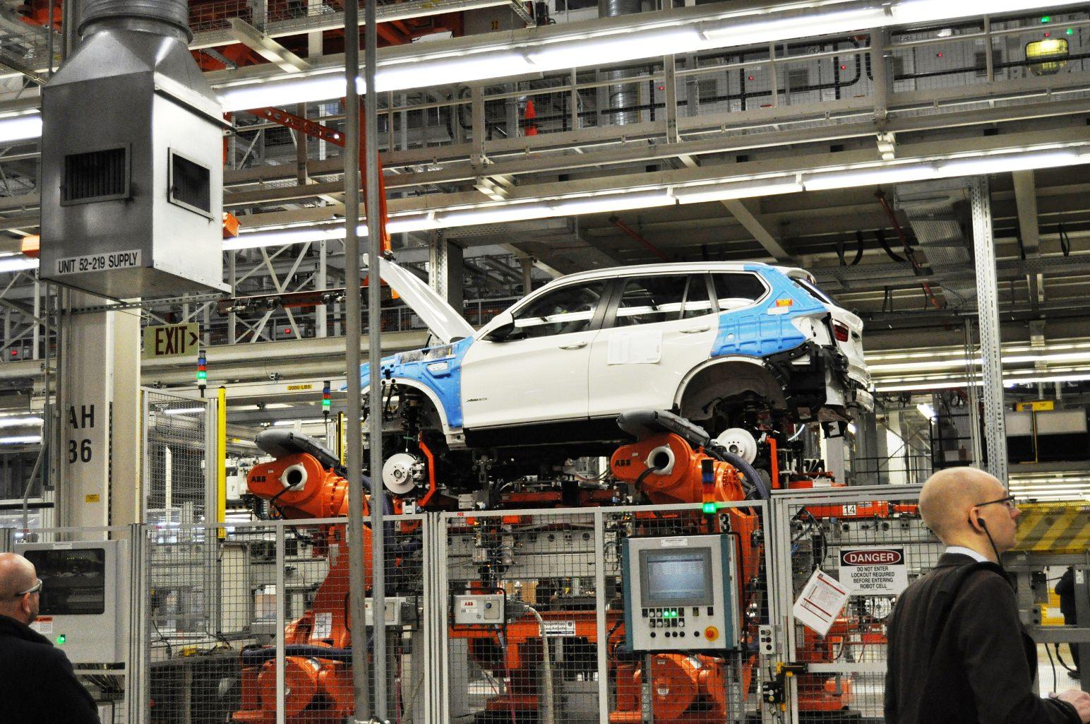 Bmw Factory Tour >> Bmw X3 And X4 Factory Tour In 111 High Res Photos Cool