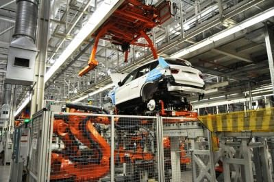 BMW X3 and X4 Factory Tour in 111 High-Res Photos -- Cool, Calm, and Quiet = Opposite of Most Auto Plants 55