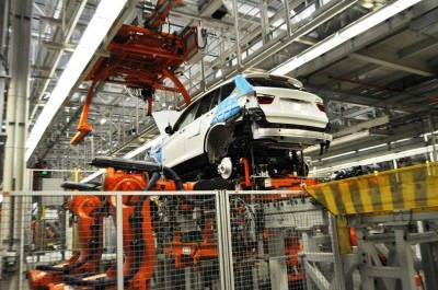 BMW X3 and X4 Factory Tour in 111 High-Res Photos -- Cool, Calm, and Quiet = Opposite of Most Auto Plants 57