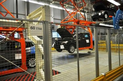 BMW X3 and X4 Factory Tour in 111 High-Res Photos -- Cool, Calm, and Quiet = Opposite of Most Auto Plants 65