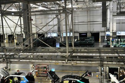 BMW X3 and X4 Factory Tour in 111 High-Res Photos -- Cool, Calm, and Quiet = Opposite of Most Auto Plants 80