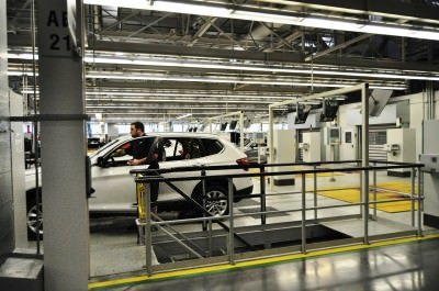 BMW X3 and X4 Factory Tour in 111 High-Res Photos -- Cool, Calm, and Quiet = Opposite of Most Auto Plants 83
