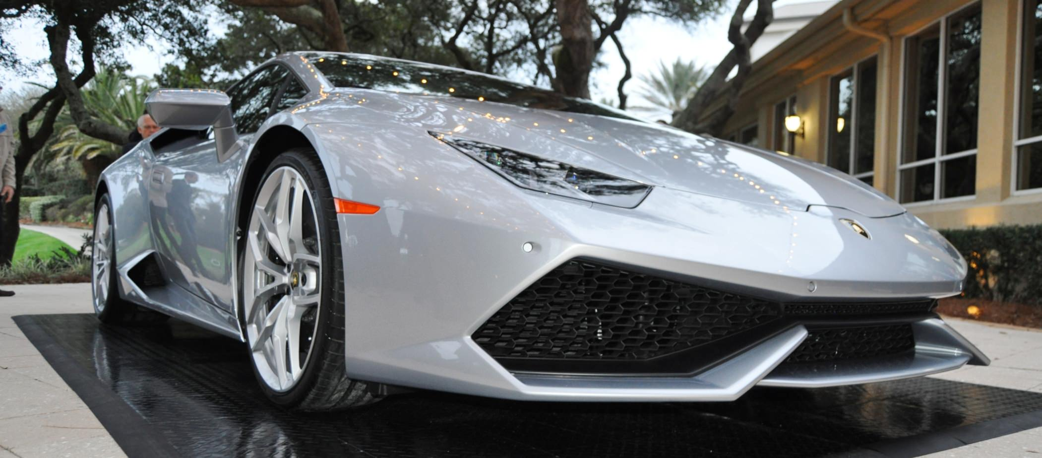 Car-Revs-Daily.com -- 2015 Lamborghini Huracan -- Official American Debut 11