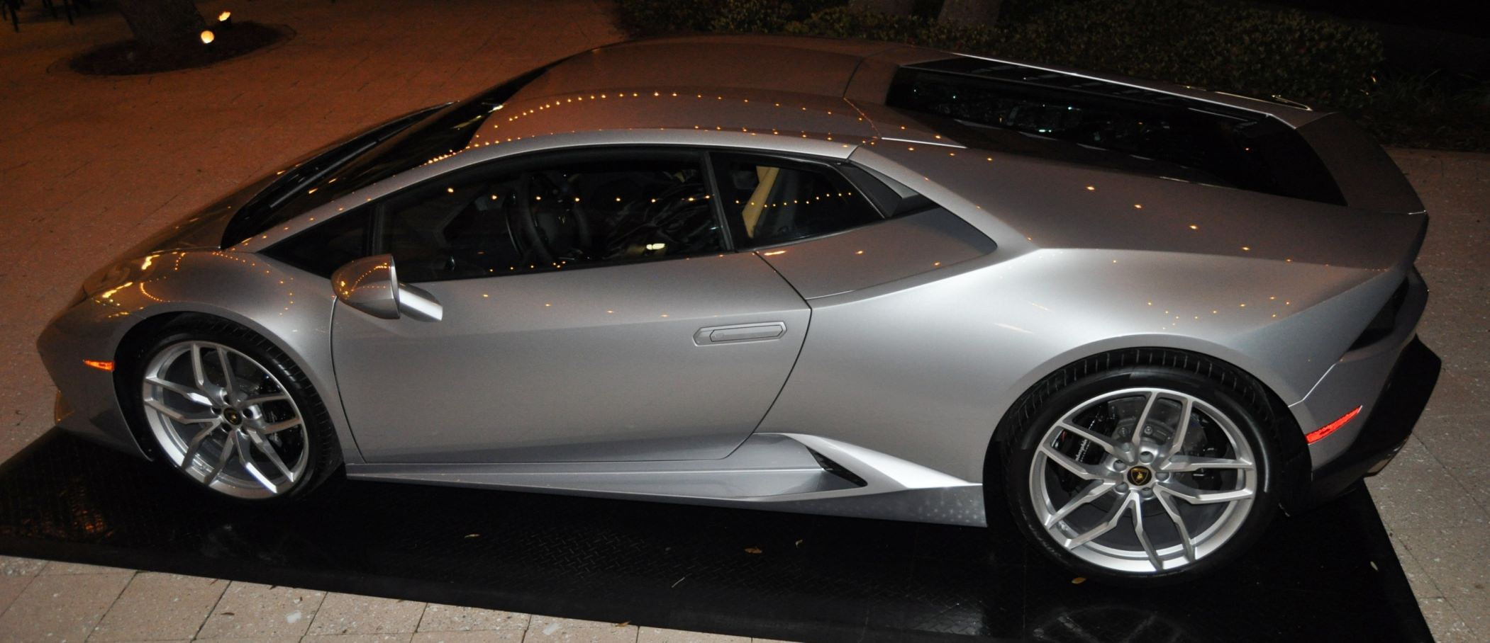 Car-Revs-Daily.com -- 2015 Lamborghini Huracan -- Official American Debut 111