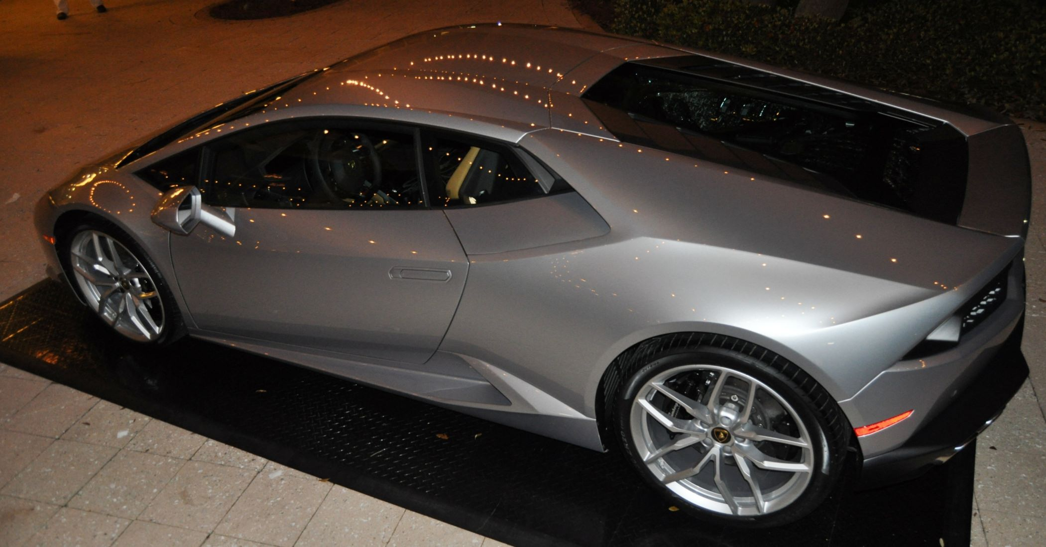 Car-Revs-Daily.com -- 2015 Lamborghini Huracan -- Official American Debut 112
