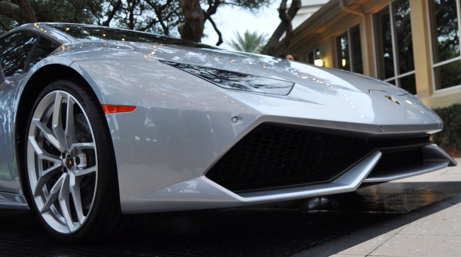 Car-Revs-Daily.com -- 2015 Lamborghini Huracan -- Official American Debut 12