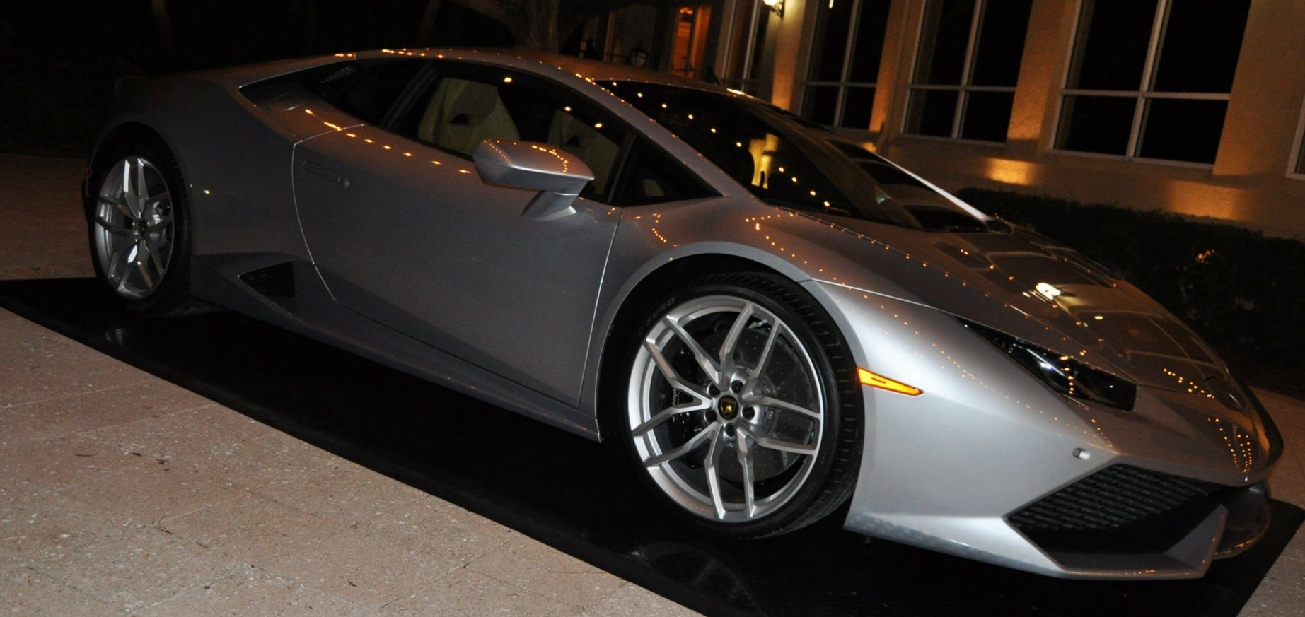 Car-Revs-Daily.com -- 2015 Lamborghini Huracan -- Official American Debut 130